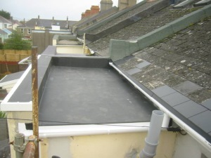 Completed Firestone RubberGard ™ EPDM flat roof system with an expected life span of 50 years.